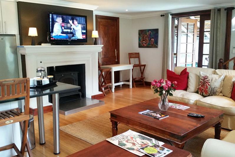 Rose Cottage - open-plan lounge