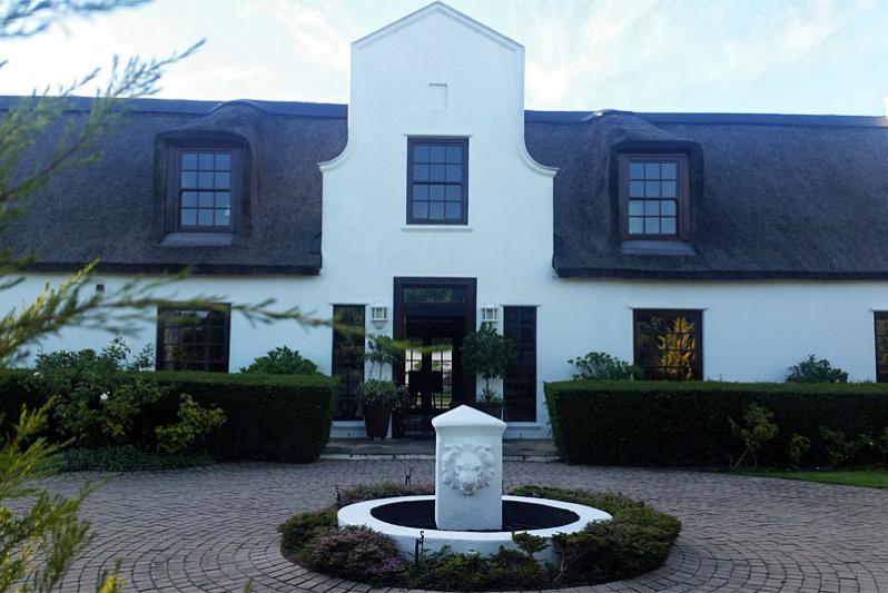 Constantia Thatch Lodge