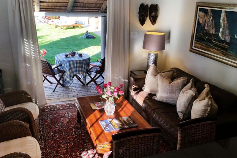 Pool Cottage - lounge