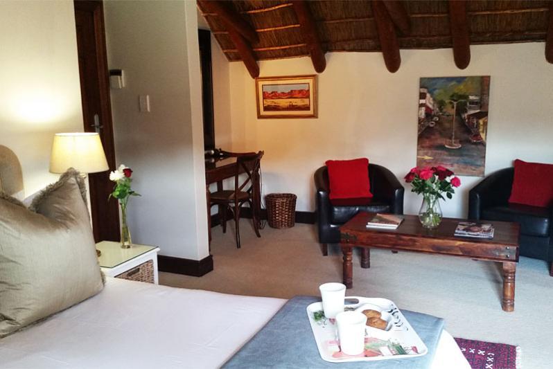 Pool Cottage - main bedroom