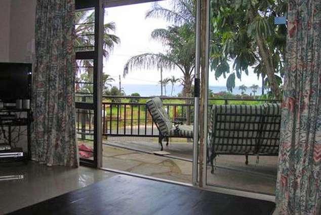 1/8 - View from the lounge - DaManzi, Self Catering Accommodation in Amanzimtoti