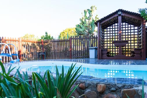 1/22 - Gariep Gardens Swimming Pool