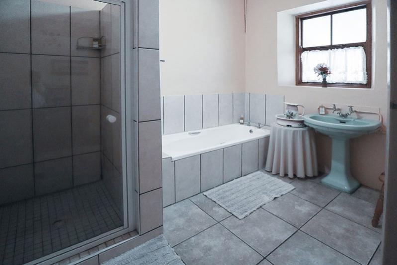 Homestead - bathroom no4