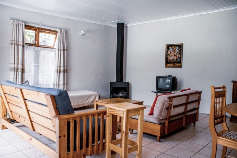 Cottage Annex - living room