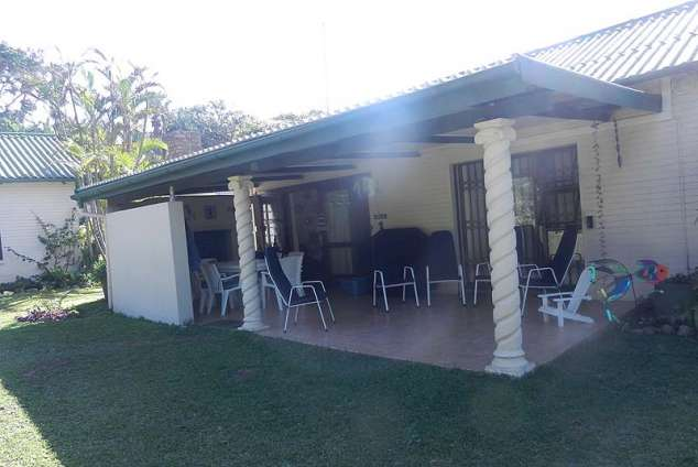 1/12 - Exterior view - Self Catering Cottage Accommodation in Marina Beach