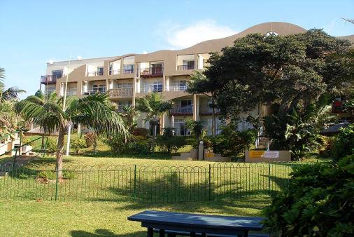 1/8 - Self Catering Ground Floor Apartment Accommodation in Umdloti Beach