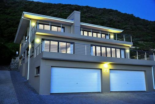 1/8 - Self Catering Apartment accommodation in Eersterivierstrand