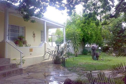 1/15 - Graaff-Reinet Self Catering Accommodation