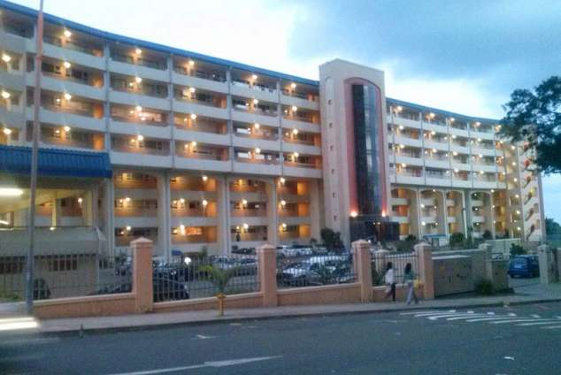 1/8 - ENTRANCE TO FLAT - Self Catering Apartment Accommodation in Amanzimtoti