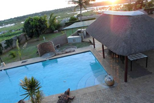 1/8 - Matola Maritima Lodge - Bed & Breakfast Accommodation in Matola, Mozambique