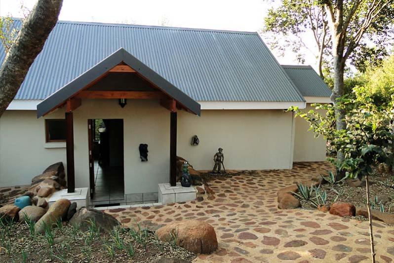 River Cottage / Entrance