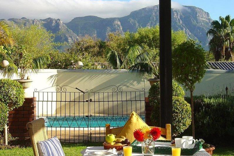 breakfast patio +pool