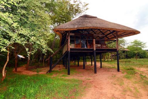 1/15 - Ivory Lodge - Game Reserve Accommodation in Hwange, Zimbabwe