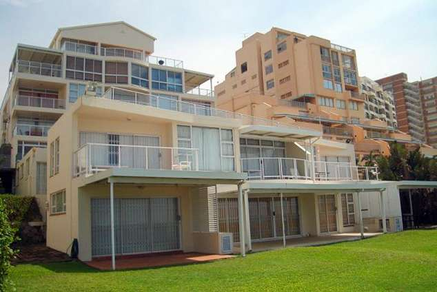 1/21 - Self Catering Beachfront Apartment Accommodation in Umhlanga Rocks