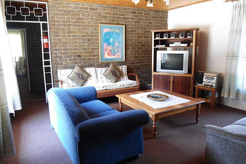 Farmhouse tv lounge