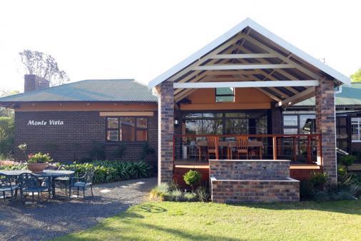 1/13 - Monte Vista Guest House - Bed & Breakfast Accommodation in Estcourt
