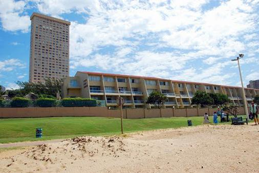 1/14 - Inyoni Rocks Cabanas image from the beach - 64 Inyoni Rocks Amanzimtoti - Self Catering Apartment