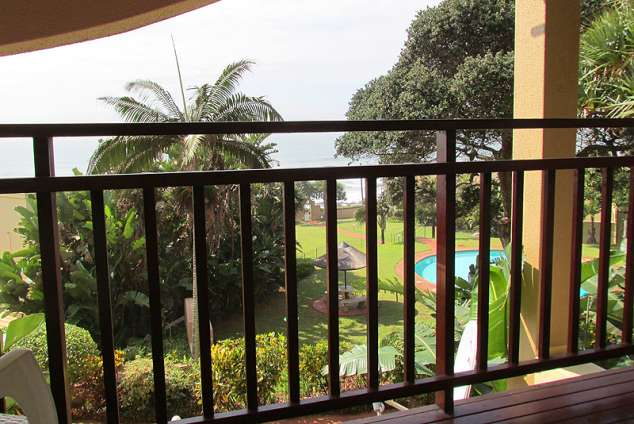 1/8 - Self Catering Apartment Accommodation in Umdloti Beach, North Coast