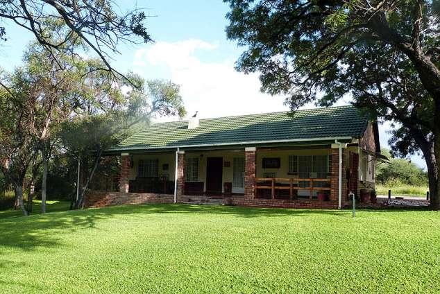 1/23 - Woodlands Cottage- two bedrooms with en-suite facilities. Sleeps 4