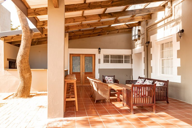 Avondrust Guest House Braai area