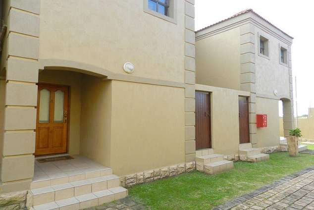 1/16 - Villa Arte 5 - Self Catering Holiday Accommodation in Jeffreys Bay, Eastern Cape
