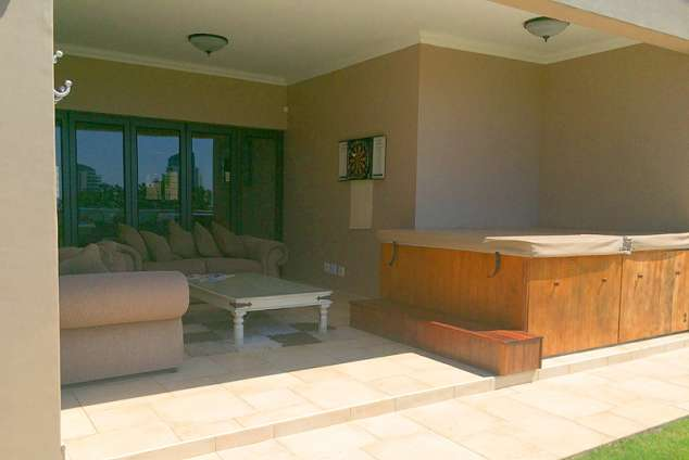 1/20 - Jacuzzi area - Self Catering Holiday Accommodation in Umhlanga Ridge