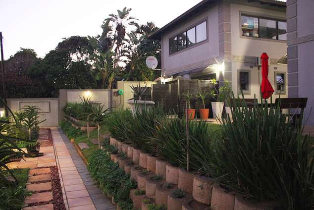 1/20 - Star Graded Bed and breakfast accommodation in Warner Beach