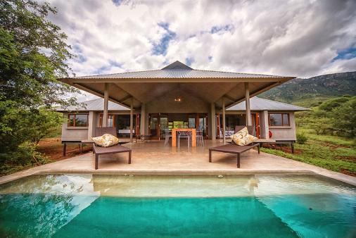1/12 - Self catering accommodation in Royal Jozini
