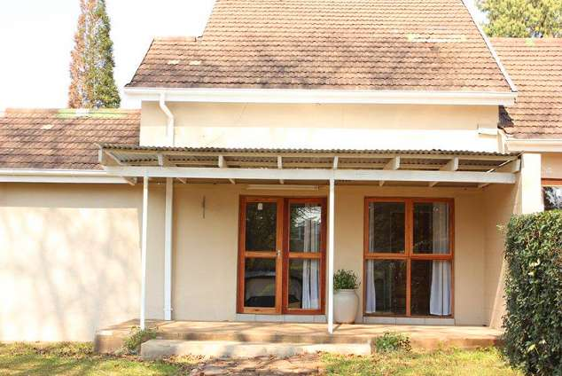 1/10 - Exterior view of the units - Guest House Accommodation in Mhlambanyatsi, Swaziland