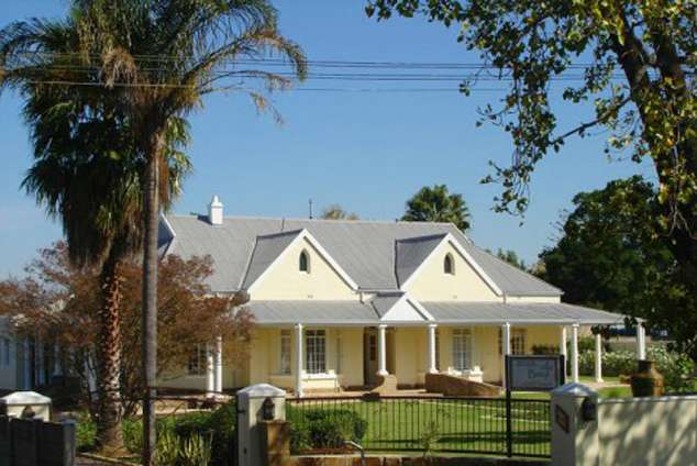 1/20 - Bed and breakfast accommodation in Vryheid