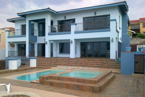 1/12 - Bed and Breakfast Accommodation in Uvongo, South Coast