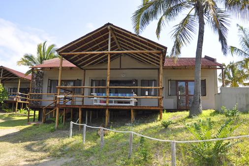 1/12 - Self Catering House Accommodation in Barra, Mozambique