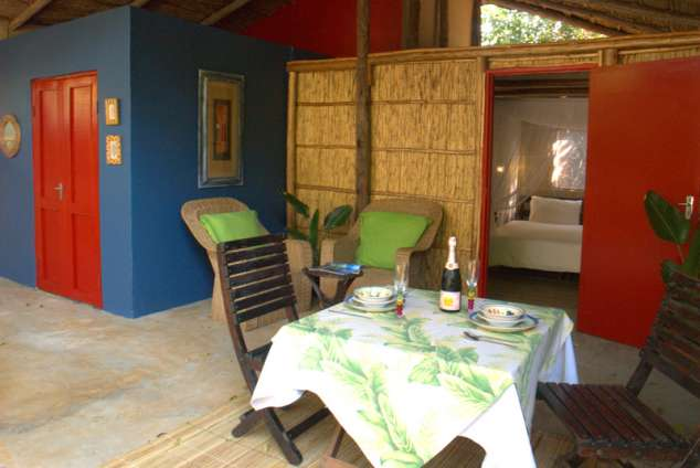 1/20 - Deluxe Cabana dining - Holiday Resort Accommodation in Ponta Do Ouro