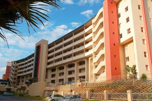 1/18 - Back of building - Self Catering Apartment Accommodation in Amanzimtoti