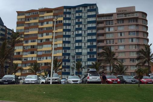 1/12 - 208 @ Tenbury - Self catering apartment accommodation in Durban Point Waterfront