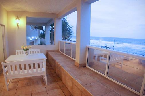1/16 - Umdloti Beach Self Catering Beachfront Holiday Accommodation