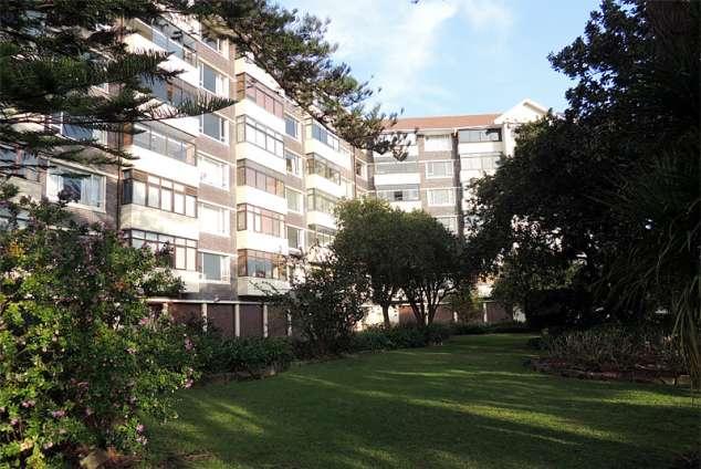 1/10 - Apartment Block