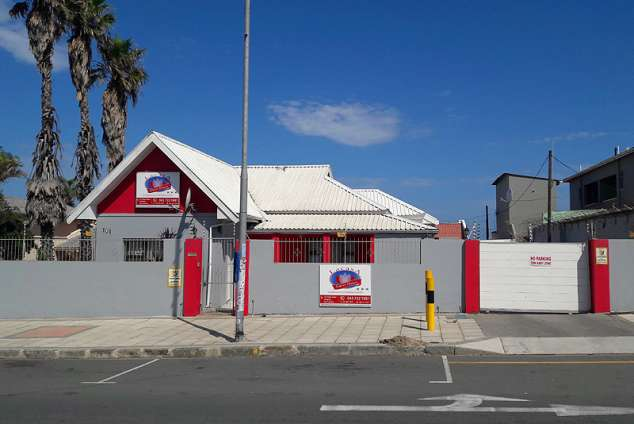 1/12 - Guest house accommodation in Quigney Beach