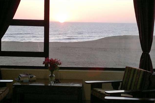 1/16 - Livingroom with a seaview