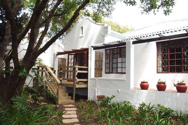 1/16 - Eastcliff Garden Cottage