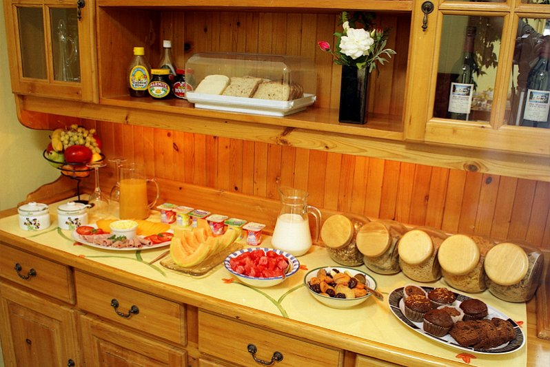 Help yourselves to a free continental breakfast buffet