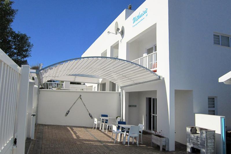 3 bedr FLAT entrance and braai area