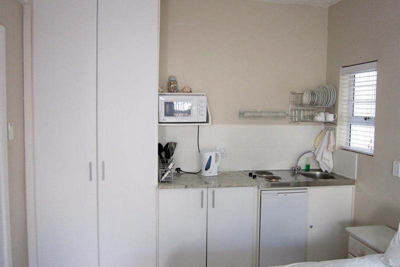 MELISSA kitchen area