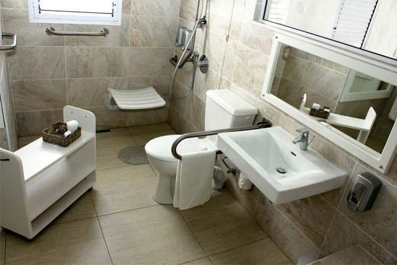 Universal accessible bathroom