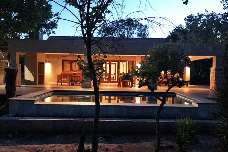 EXTREMELY AFFORDABLE, Luxurious Busveld Accommodation!