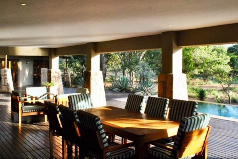 Outdoor living, swimming, with wildlife and bird viewing!