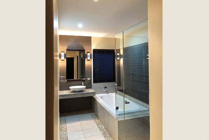 Full high quality finished bathrooms( inside and outside showers)