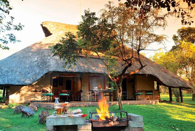 1/25 - Victoria Falls Holiday Resort Accommodation