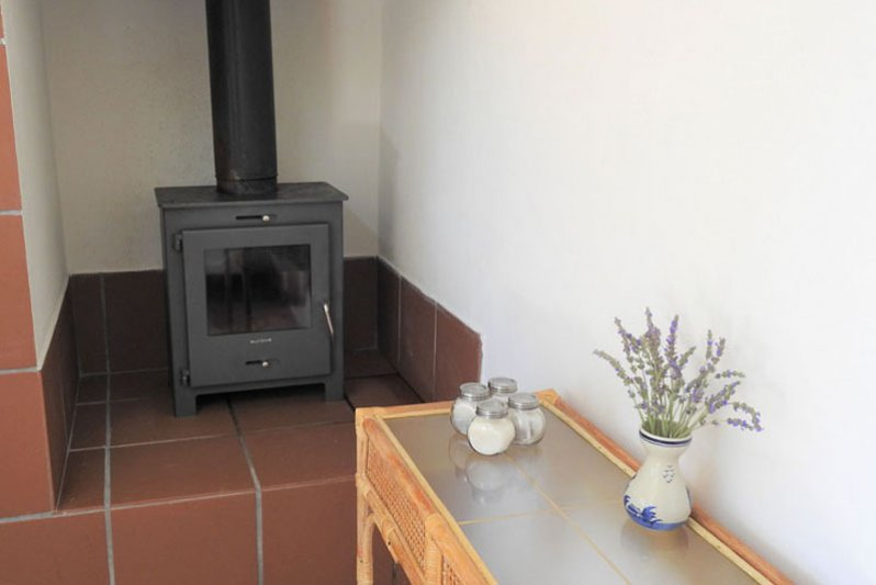 Bush Pig Cottage Fire Place