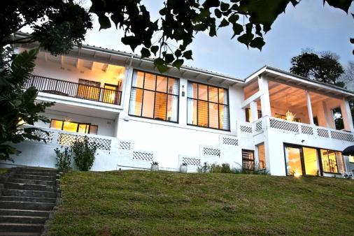 1/25 - House facade